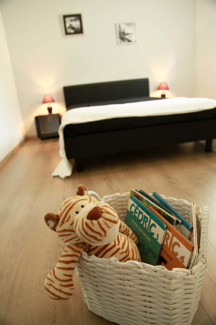villasoccitanes cayrous chambre équipée d'un lit en 140