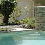 villasoccitanes escalier de la piscine chauffée 8 m x 4 m