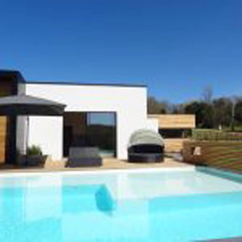 villasoccitanes estève piscine et bain à bulles chauffée
