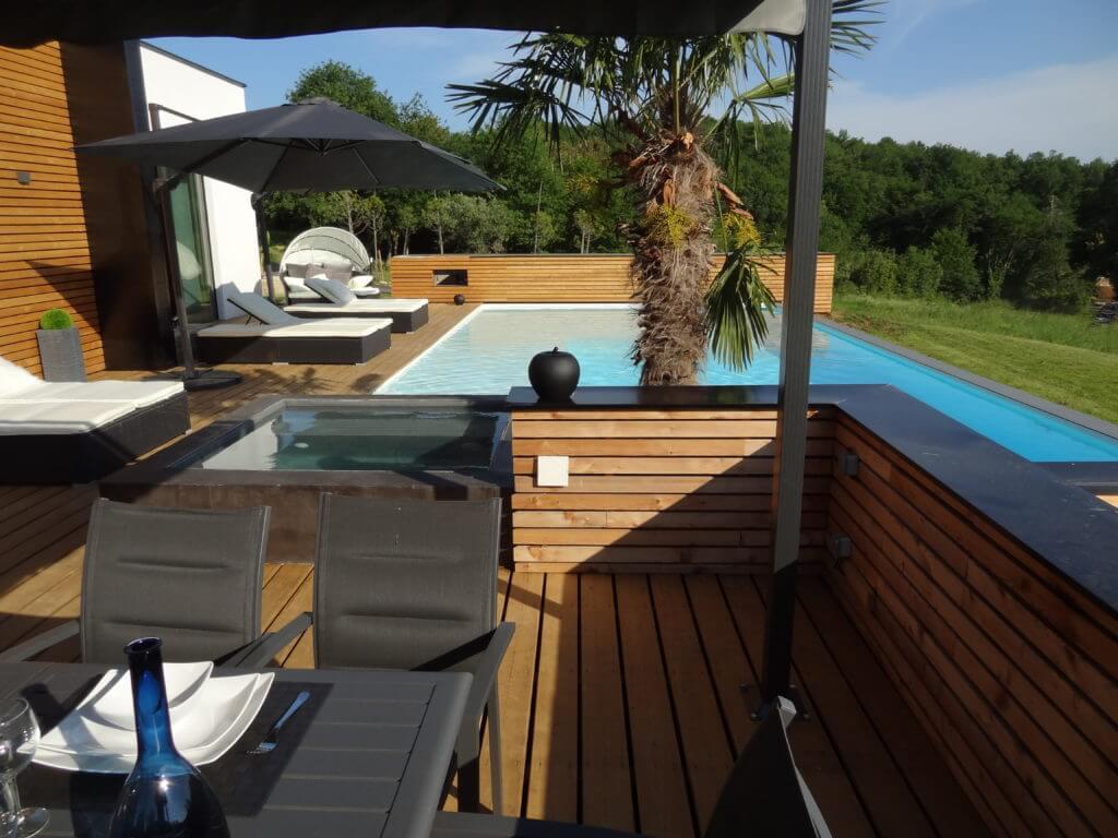 villasoccitanes estève piscine et bain à bulles chauffée, terrasse