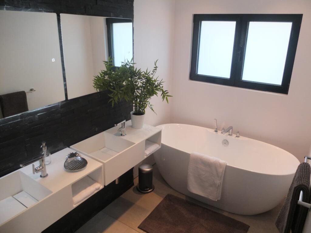 "occitanes ""estève ""salle de bain"