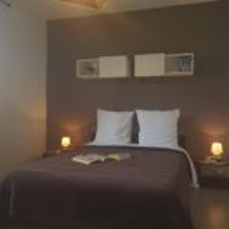 villasoccitanes les cayrous chambre équipée d'un lit en 140
