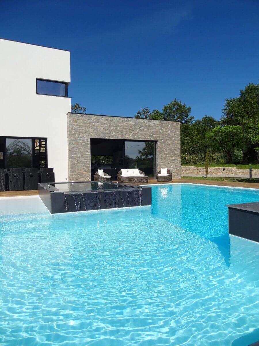 Villa vacances à louer Cahors piscine, bain bulles