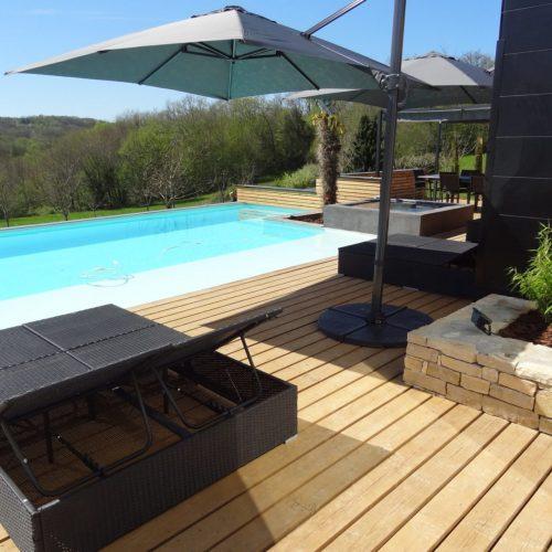 villasoccitanes piscine/terrasse Estève