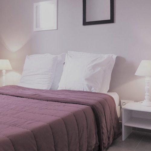villasoccitanes chambre équipée d'un lit en 140