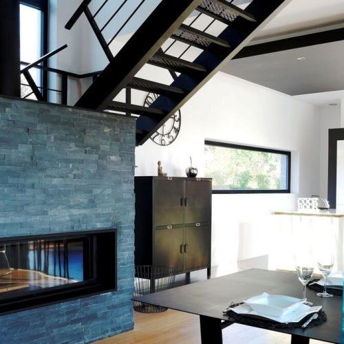 cheminée, salle à manger, villa Dal Cayrou Cahors