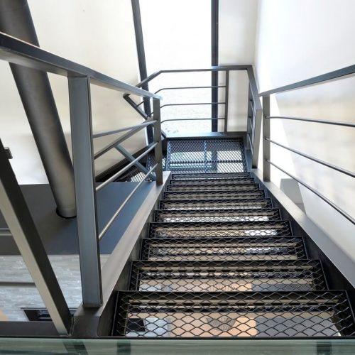 escalier-villa-location-cahors